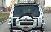 Крышка запасного колеса  Mitsubishi Pajero 4