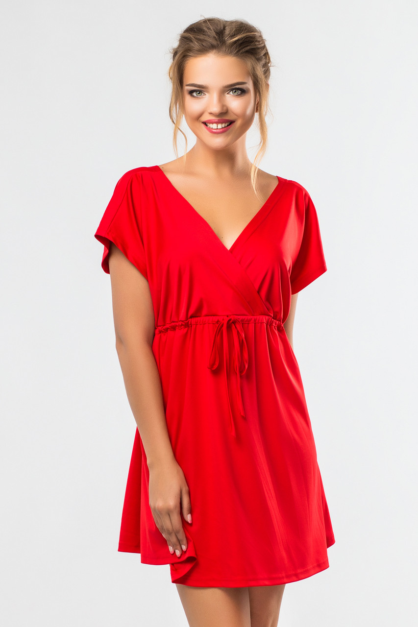 e558617734f Красное платье до колена с запахом и коротким рукавом -