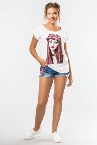 Модна жіноча футболка біла з малюнком Дівчина, фото 2