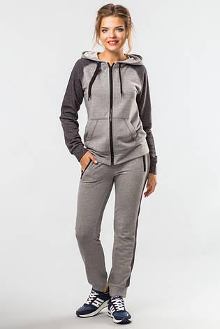 Женский спортивный костюм Комфорт с кофтой на молнии серо-черный, фото 2