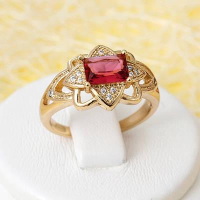 002-2692 - Позолоченное кольцо с рубиновым и прозрачными фианитами, 17, 18 р