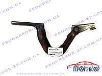 Петля капота левая Geely CK2 / 8402070180