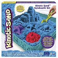 Набор песка для детского творчестваKINETIC SAND ЗАМОК ИЗ ПЕСКА голубой, 454г, формочки, лоток(71402B)