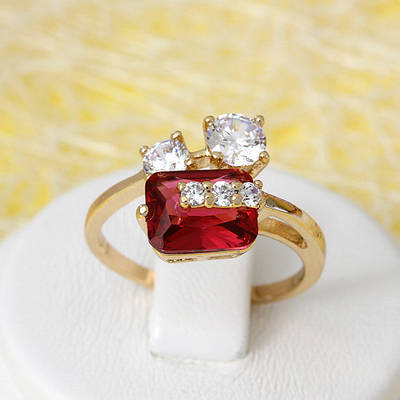 002-2672 - Позолоченное кольцо с рубиновым и прозрачными фианитами, 16.5, 17.5, 18, 19 р