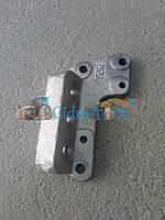 Кронштейн крепления ЦС-50 МТЗ-82 нового образца (под 5 шпилек)