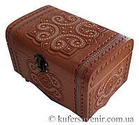Деревянная шкатулки инкрустированные бисером, сундук скринька