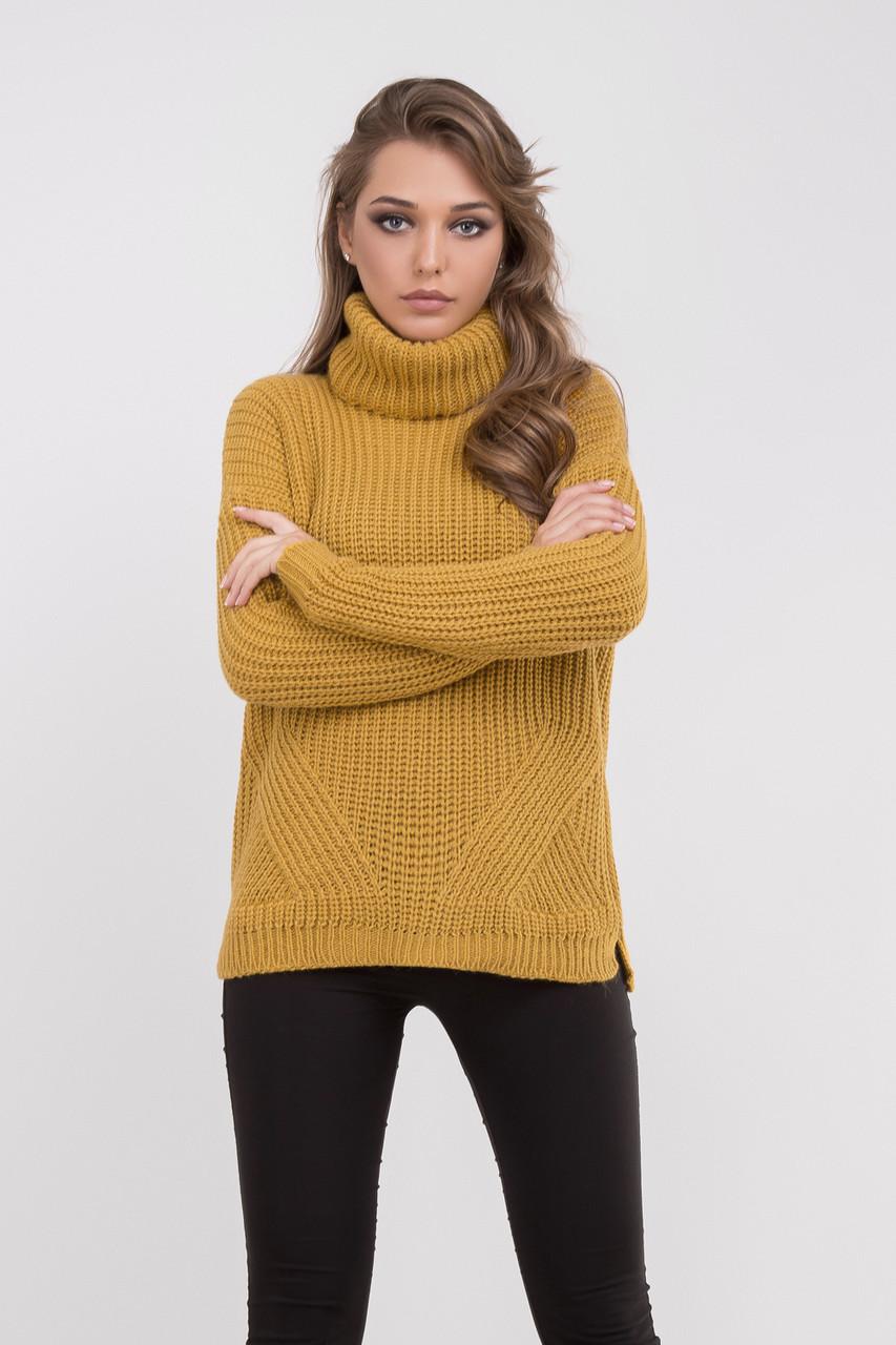 Красивый женский свитер темно-желтого цвета