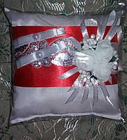 """Свадебная подушка под кольца """"Красный квадрат"""""""