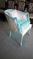 Мягкое дамское итальянское  кресло с лебедями, цена за каркас.