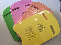 Досточка для плавания с отверстиями для рук 40 х 28 х 3,5 см.