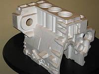 Трехцилиндровый двигатель импортного производства.