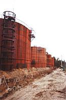 Перенос стального резервуара емкостью 1000 куб. м.