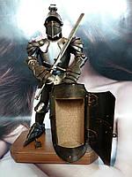 Фигура Рыцаря ручной работы с сейфом в щите. Высота 50 см