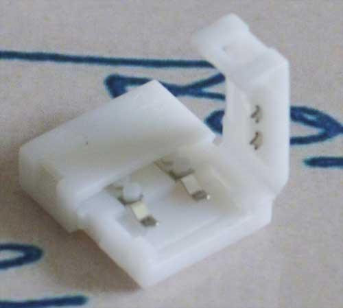 Разъем(коннектор) для светодиодной ленты 8мм. защелки с двух сторон