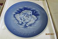 Настенная тарелка Медведица с медвежатами 1977г.Германия