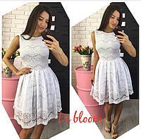 Белое гипюровое платье с подьюбником