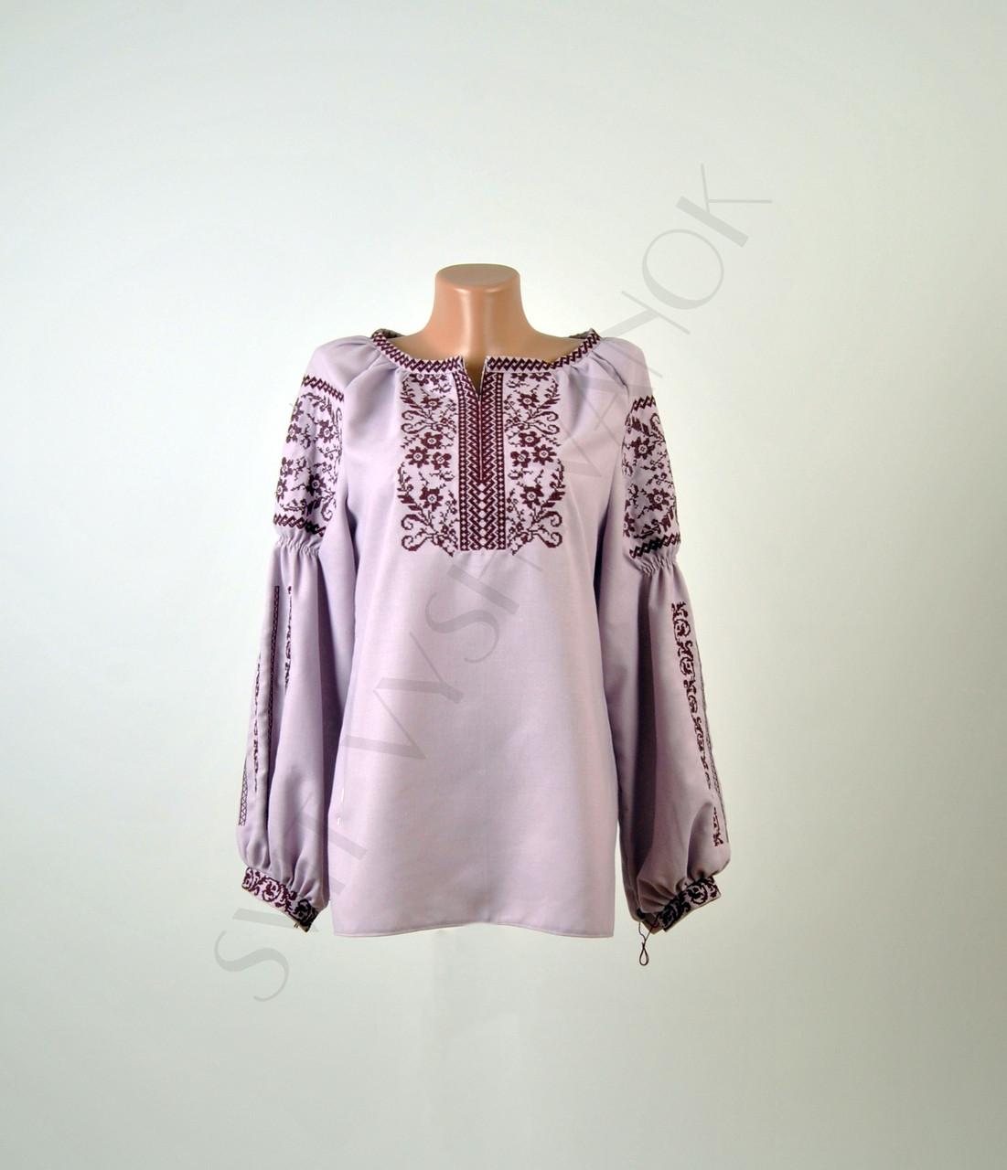 Жіноча вишиванка бузкового кольору з машинною вишивкою недорого