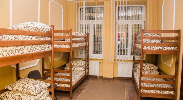 Ліжка двоярусні для хостелів