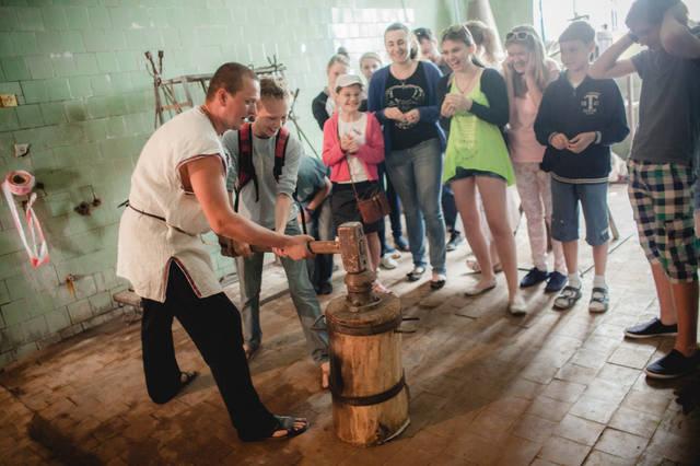Экскурсия для детей в кузнечную мастерскую. 18