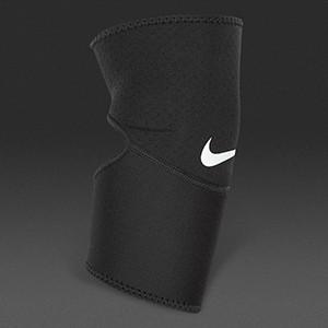 Налокотник Nike Pro Combat Elbow Sleeve 2.0
