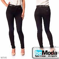 Модные джинсы женские с ремнем Lady N классического кроя черные