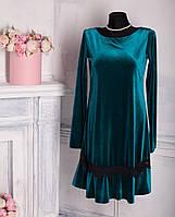 Велюровое платье с кружевом и длинным рукавом