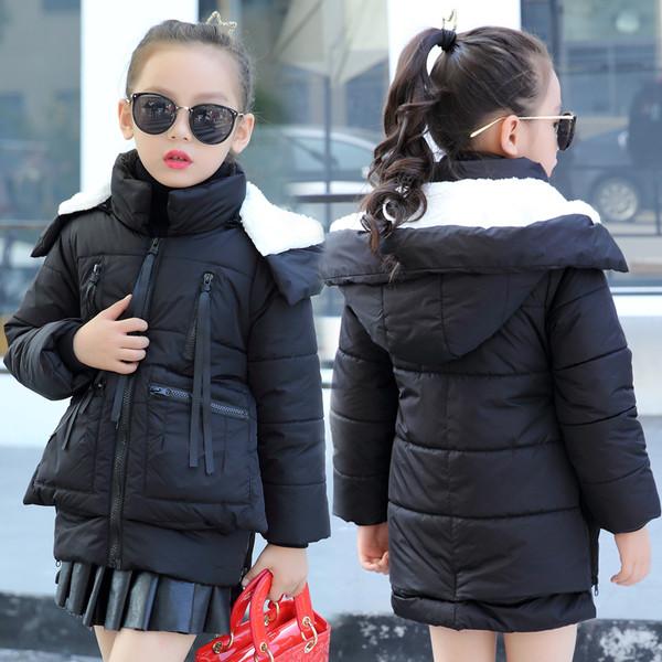 Детское пальто красное