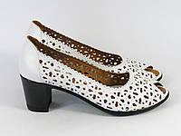 Женские туфли в перфорацию