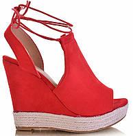 Модные женские босоножки на шнуровке