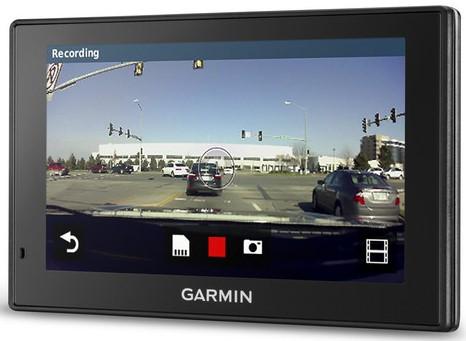 GPS-навігатор з відеореєстратором Garmin DriveAssist 51 LMT-S Europe