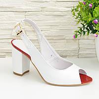 Женские кожаные босоножки на устойчивом высоком каблуке. Цвет белый. 38 размер