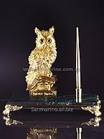 Статуэтка Сова с золотой ручкой на натуральном камне