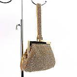 Женский золотистый вечерний клатч-кошелек Rose Heart 99126 со стразами из камней на цепочке, фото 3