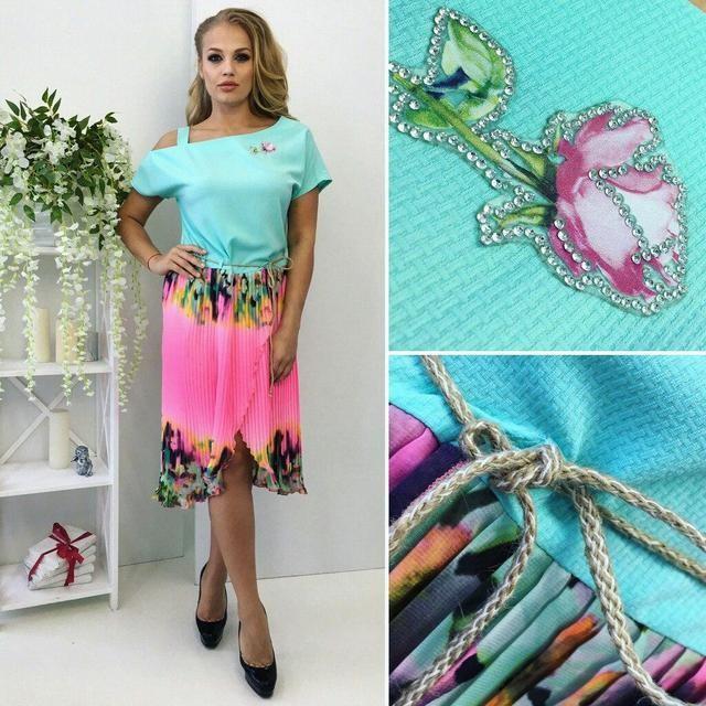 """Красивое женское платье """"Габардин + легкий шифон плиссе"""" 48, 50 размер баталы"""