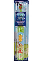 Детская электрическая зубная щетка на батарейках Oral-B Stages Power  (от 3 лет) 1 шт