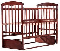 Кроватка детская Наталка ольха тёмная с маятником и откидной боковушкой 60803