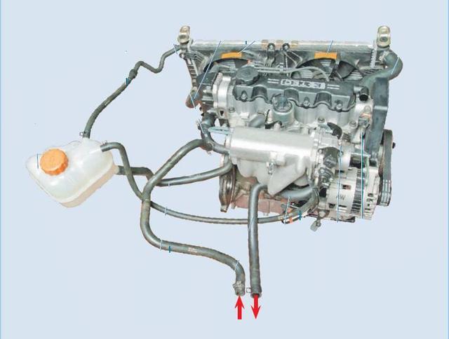 Деталі системи охолодження двигуна
