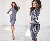 Ровное платье в деловом стиле