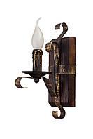 """Светильник из дерева бра настенное  на один рожок-свечя серии """"Старый замок""""."""