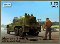 Грузовик Diamond T 968A с цистерной для перевозки асфальта