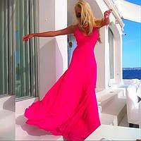 Платье в пол с декольте