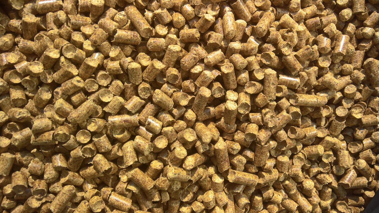 Пеллета (гранула) из сосны A1, фасовка биг-бэг 1000 кг, 8 мм