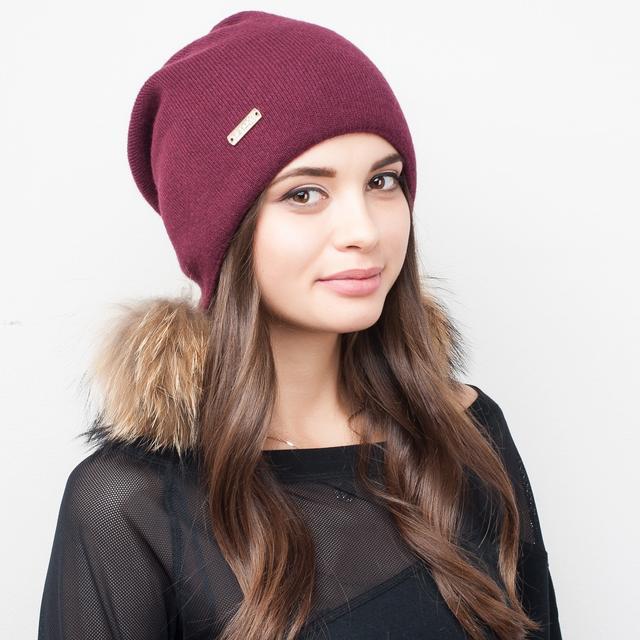 Женские молодежные шапки