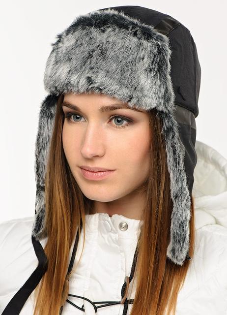 Женские шапки с искусственным мехом