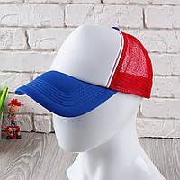 Красная кепка тракер с синим козырьком
