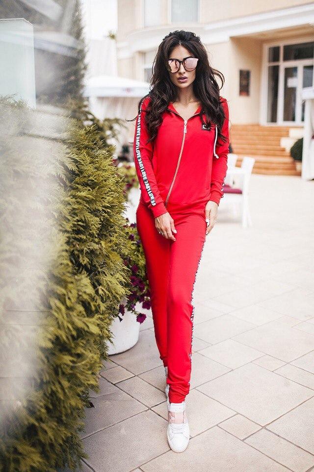 Спортивные костюмы женские красные