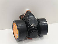 Респиратор с двумя угольными фильтрами