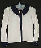 Белая блуза с синим воротничком и манжетами