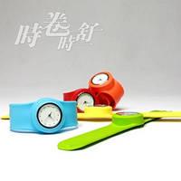 Наручные часы с резиновым ремешком, фото 1