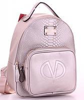 Женский городской рюкзак VALENTINO 071 изготовлен из эко кожи